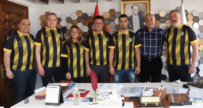 Eski Fenerbahçeli futbolcu şimdi bakın hangi amatör takımda?