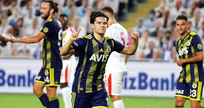Fenerbahçe sahasında Göztepe'yi 2-1 mağlup etti