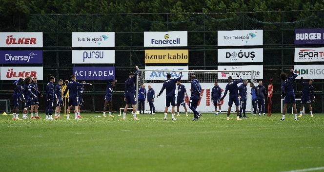 Fenerbahçe, Trabzonspor maçı hazırlıklarını sürdürürken, Perotti takımla beraber çalıştı