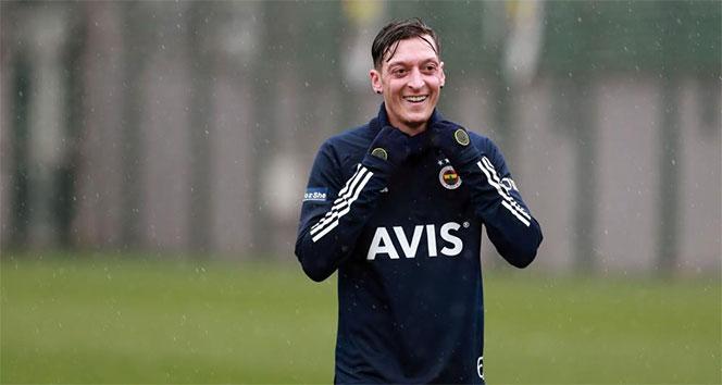 Mesut Özil'in Fenerbahçe'deki ilk derbi maçı Galatasaray'a karşı