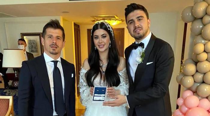 A Milli Takım ve Fenerbahçe'nin başarılı futbolcusu Ozan Tufan, evlendi